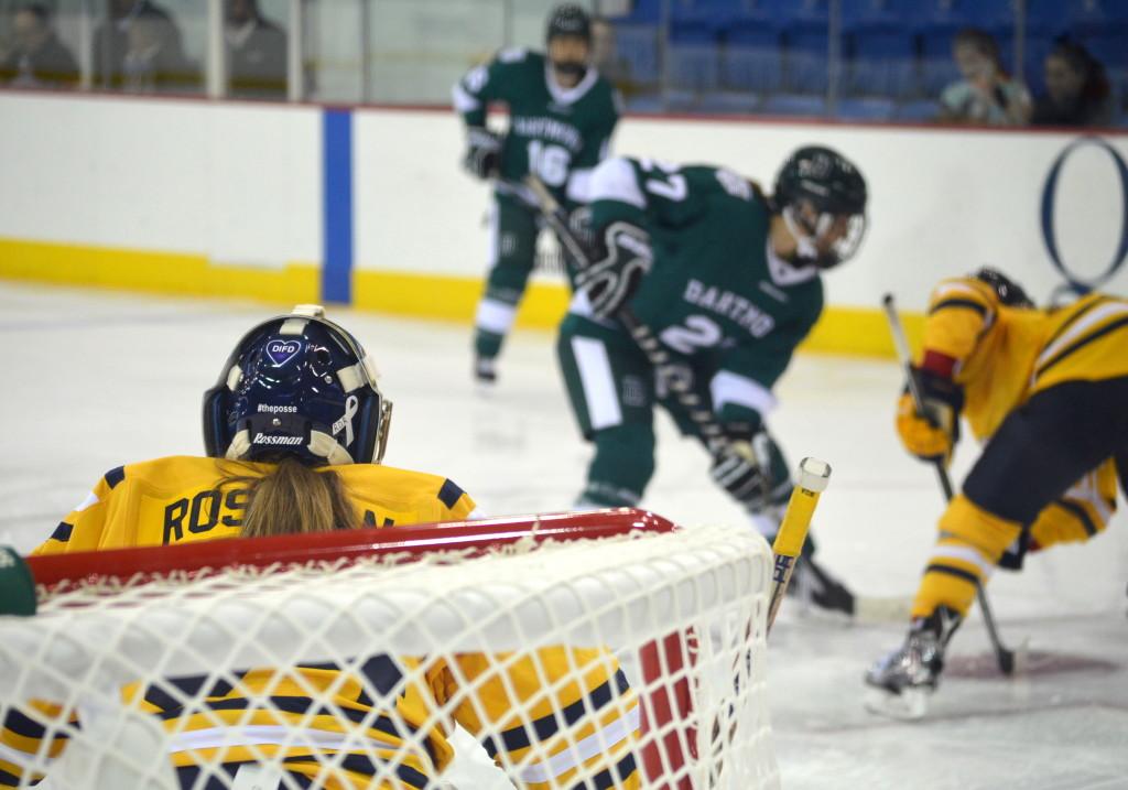 Increíble Hack Robux Gratiscomo Tener Robux Gratis En Roblox 2019 - Women S Ice Hockey S Sydney Rossman Has Made A Major Impact As A