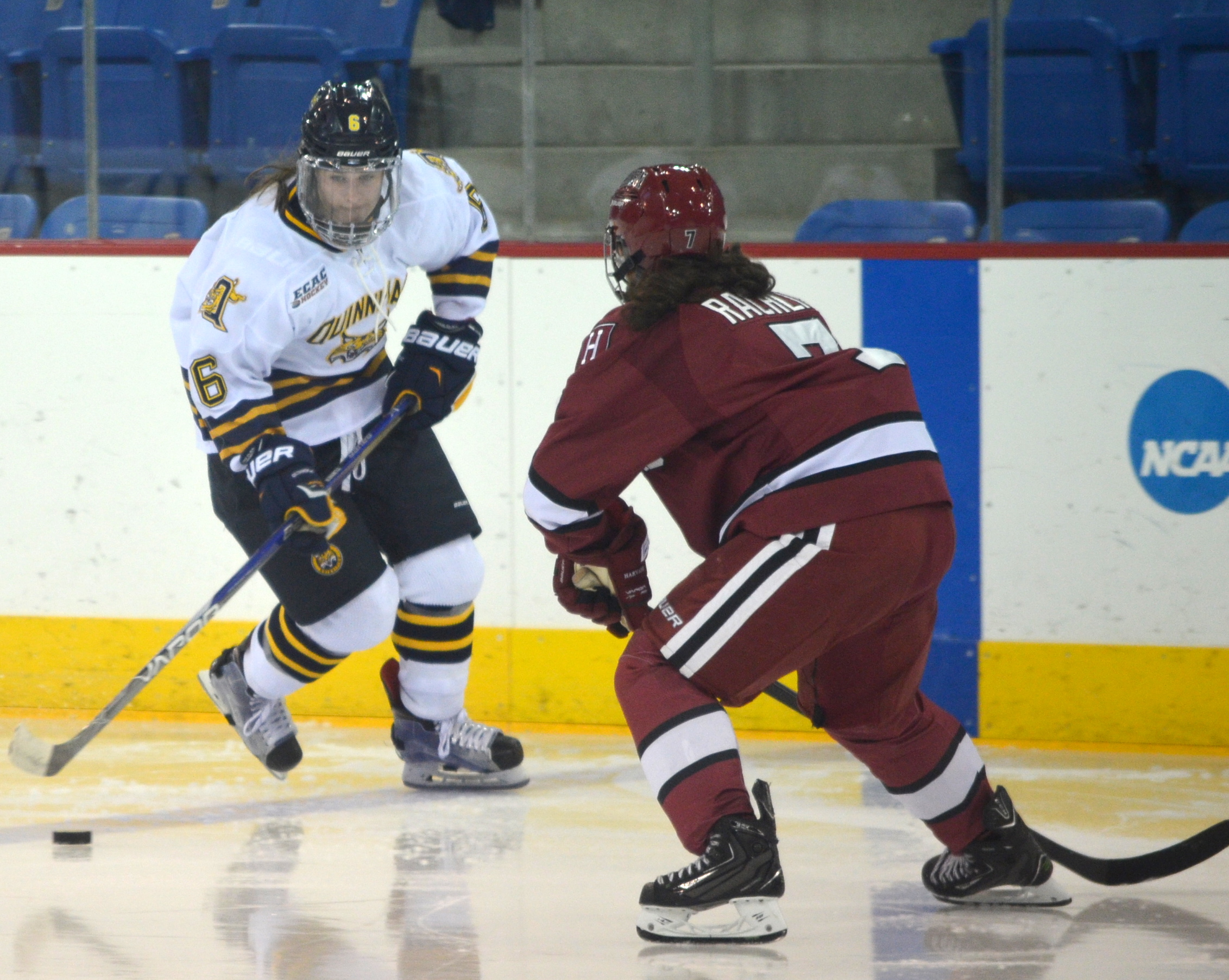 Jordan Novack|Quinnipiac Chronicle Meghan Turner carries the puck into the offensive zone vs Harvard 12/5/15
